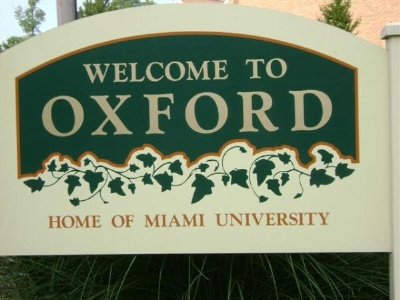 Welcome to Oxford seen entering town